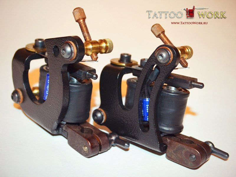 Тату машинки от R.T.E Crew — Split (Liner - контурная тату машинка) и Hook (Shader - покрасочная тату машинка)